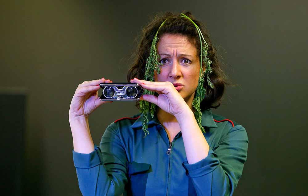 """Emma Stern, Agentin für Weltverbesserungspläne aus der Sektion """"Lecker"""", hat eine Mission."""