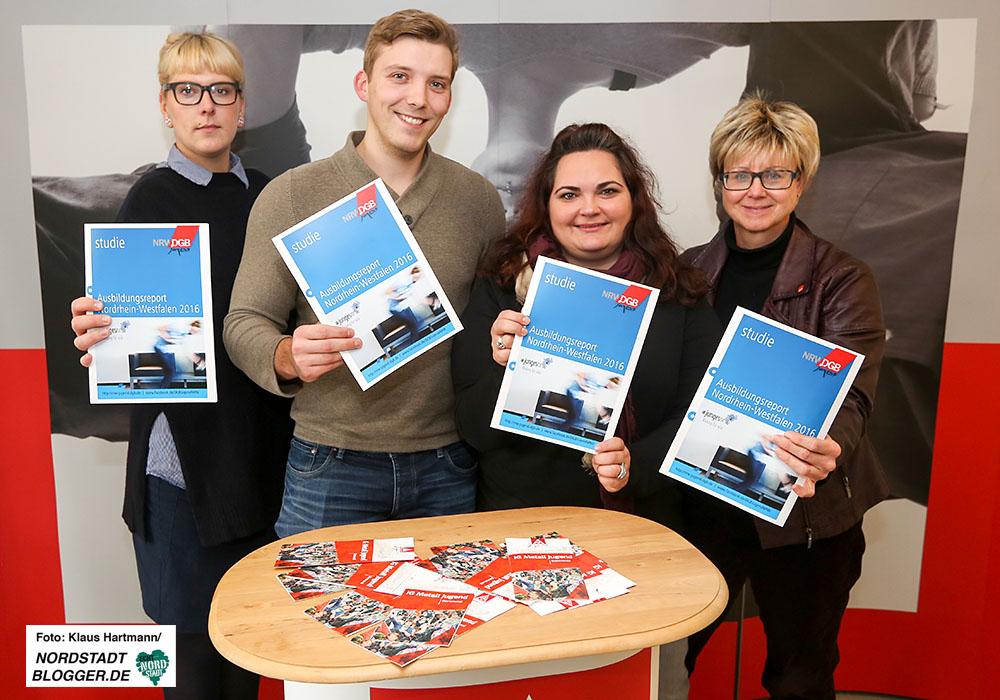 DGB stellt Ausbildungsreport 2016 vor. v.l.: Marijke Garretsen, Kevin Veith, Sonja Damann und Jutta Reiter