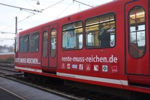 """""""Rente muss reichen"""" lautet die Kampagne der Gewerkschaften. Foto: Susanne Schulte"""