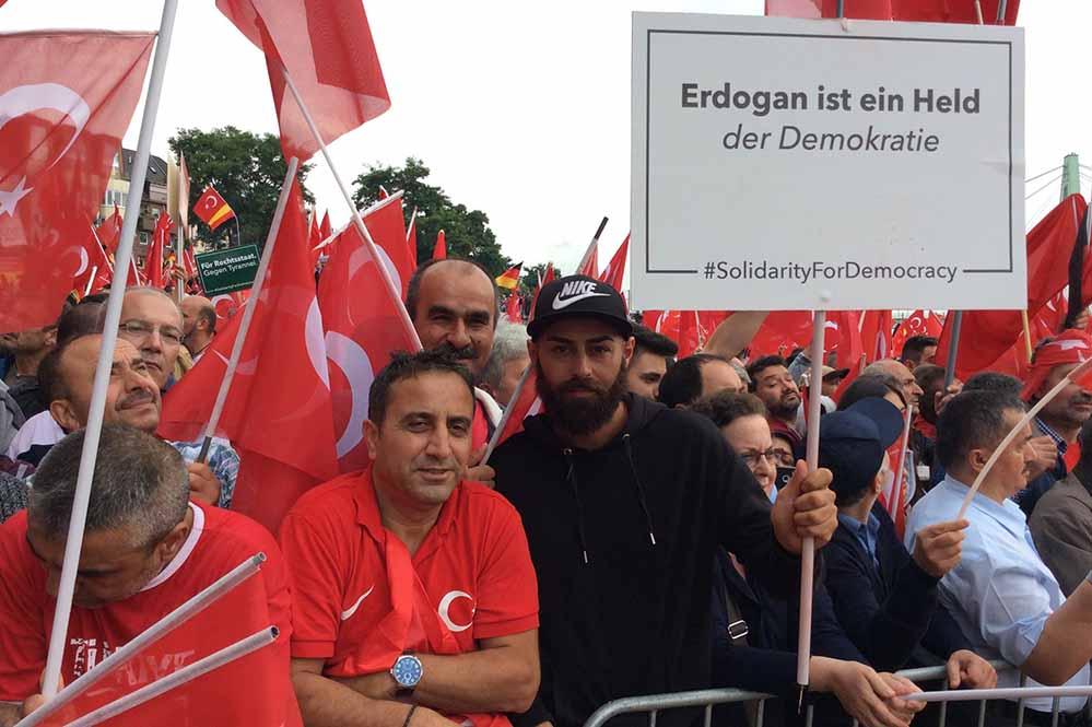 Die UETD war einer der Organisatoren der Pro-Erdogan-Demo Ende Juli 2016 in Köln. Foto: Correctiv.Ruhr