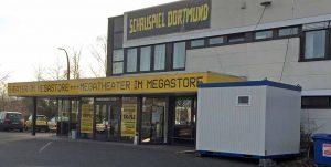 Noch bis diesen Sommer bleibt der Mega-Store in Hörde Spielstätte. Dann wird umgezogen und ab Dezember wieder am Hiltropwall gespielt.