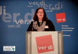 die ver.di-Bezirksvorsitzende Erika Wehde rief die GewerkschafterInnen auf, sich RechtspopulistInnen entgegen zu stellen.