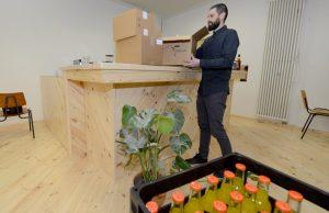 """Deutlich heller als im """"Salon Fink"""" wird es im """"Grüne Salon""""- helle Hölzer und Pflanzen halten Einzug."""