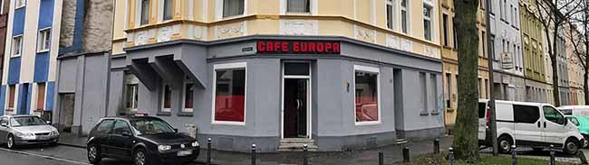Polizei sucht Zeugen: 60.000 Euro Sachschaden durch einen Brandsatz im Café Europa in der Braunschweiger Straße