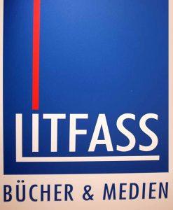 """Litfass - """"ein Fass voller Literatur"""" war die Namensidee für den Laden 1982."""