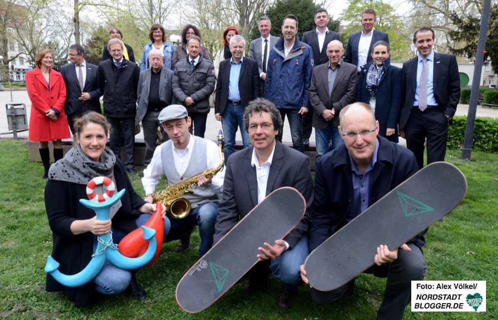 Gruppenbild der Sponsoren und Organisatoren auf dem Nordmarkt.Foto: Alex Völkel