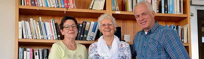 Bücherdienst im Nordstadt-Klinikum: Lesen bis zum Genesen – Ehrenamtler bringen seit 20 Jahren Bücher zu Patienten
