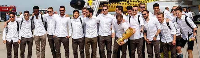 FOTOSTRECKE Über 200.000 BVB-Fans feierten in der Nordstadt und der Dortmunder City ausgelassen den Pokal
