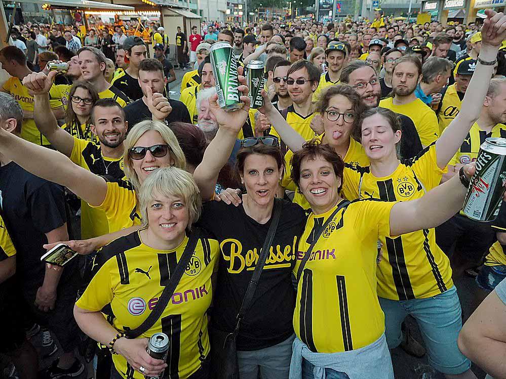 Pokalsieg! Nach dem Erfolg in Berlin kann die große BVB ...