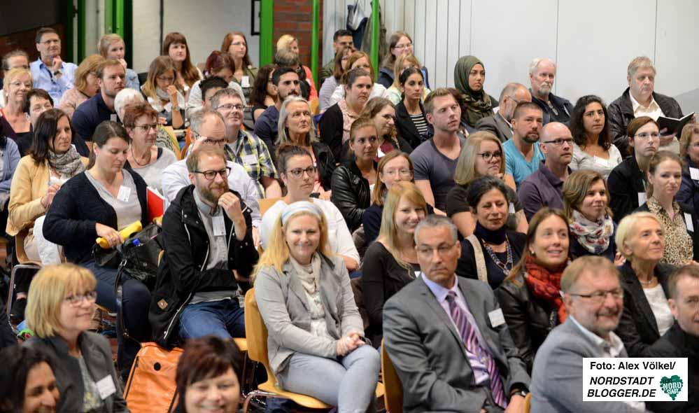 180 Interessierte diskutierten beim 5. Dortmunder Flüchtlingsforum im DKH. Fotos: Alex Völkel