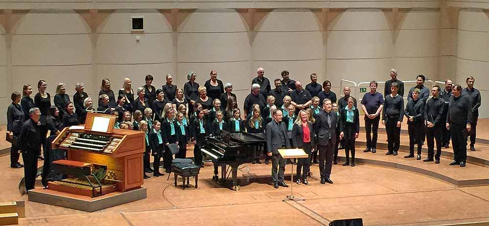Der neue WDR-Kinderchor gab alleine und zusammen mit dem WDR-Rundfunkchor im Konzerthaus ein 30-minütiges Schnupperkonzert. Fotos: Joachim vom Brocke