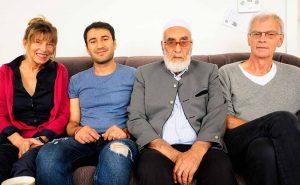 Flüchtlingpatin Sigi Czyrt mit Najib, seinem Vater und Flüchtlingpate Helmuth Ruckdeschel.