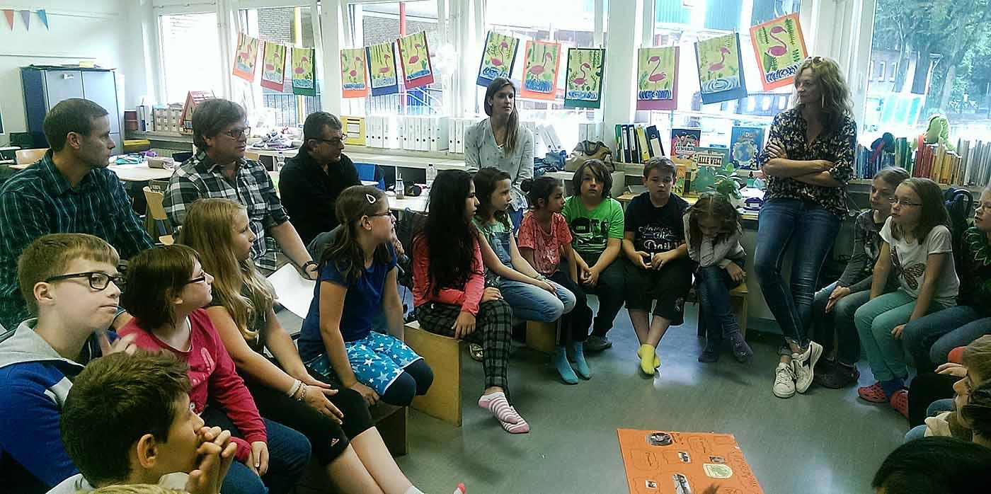 Klasse 4d mit ihrer Lehrerin Susanne Schulten hat sic beteiligt. Foto: Sabine Klemp / Stadt Dortmund