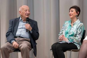 Leslie Schwartz und Pnina Kaufmann während der offenen Publikums-Diskussion
