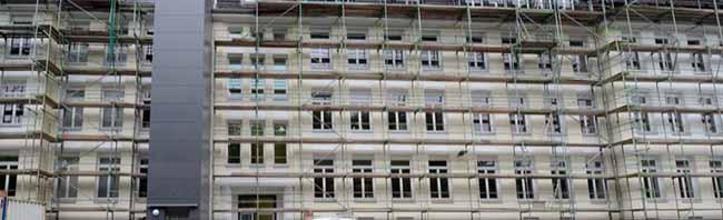 Trotz Sanierung platzt die Anne-Frank-Gesamtschule aus allen Nähten – Abriss des ehemaligen Krankenhauses geplant