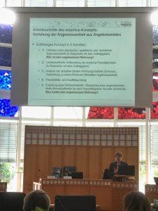 Petra Heising vom beauftragten Institut Empirica hatte zuvor die Systematik, die Definition einer physischen, qualitativen und räumlichen Angemessenheit und die Dortmunder Zahlen vorgestellt.