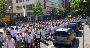 Zum dritten Mal möchten die bosnischen Gemeinden mit einem Schweigemarsch an das Massaker erinnern.