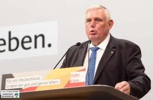 Bundesgesundheitsminister Hermann Gröhe und NRW-Sozialminister Karl-Josef Laumann (Foto) standen Rede und Antwort.