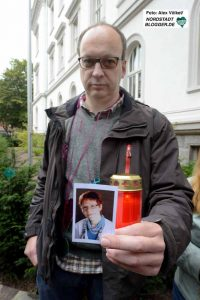 Norbert Pahlke hat durch die Explosion seine Freundin verloren. Er kam als Feuerwehrmann zum Ort des Geschehens.
