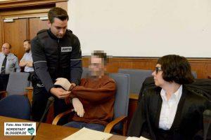 Der Angeklagte wurde vorgeführt - er wird noch immer im Justizvollzugskrankenhaus in Fröndenberg behandelt.