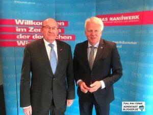 Der Dortmunder Handwerks-Präsident Berthold Schröder mit OB Ullich Sierau. Fotos. Alex Völkel