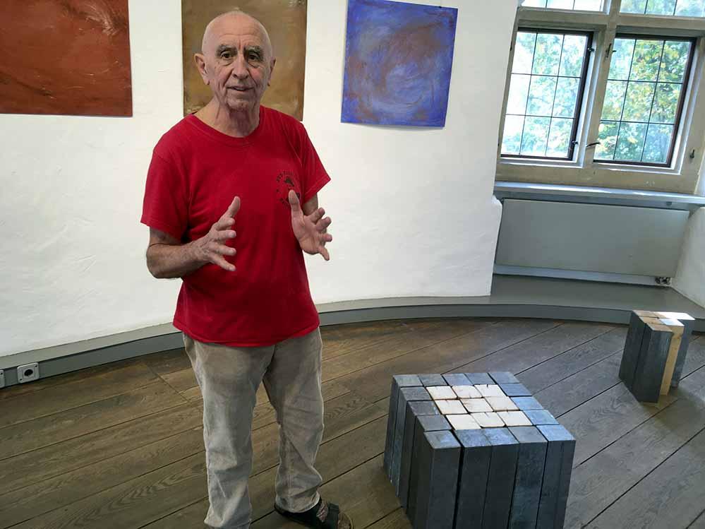 """Hanfried Brenner zeigt unter dem Titel """"quadrat plus > variationen"""" Zeichnungen, Objekte und Installationen. Foto: Katrin Pinetzki/ Stadt Dortmund"""
