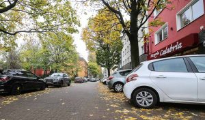 AnwohnerInnen in der Westerbleichstraße suchen oft vergeblich einen freien Parkplatz.