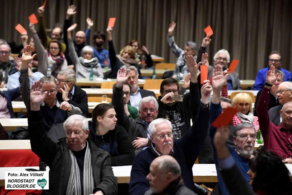 Mit großer Mehrheit haben die Dortmunder SPD-Mitglieder gegen Koalitionsgespräche votiert. Fotos: Alex Völkel