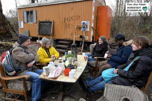 Beim Jahresauftakt im Gemeinschaftsgarten spielte sogar das Wetter mit. Fotos: Alex Völkel