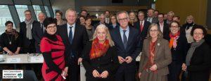 Isabel Pfeiffer-Poensgen (Mitte), NRW-Ministerin für Kultur und Wissenschaft, mit den Kulturdezernenten der Städte von NRW
