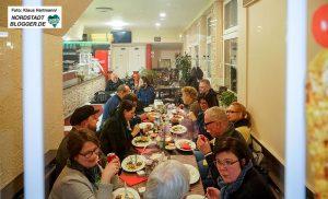 Gastro-Safari durch das Hafen-Quartier mit den Borsigplatzverführungen, Anette Plümpe und Annette Kritzler. Der Hauptgang im Orient-Grill