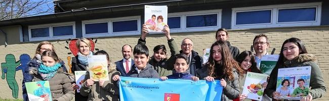 """SchülerInnen organisieren Wechsel von """"fast food"""" zu """"slow food"""" an ihrer Schule – unterstützt durch """"Iss ok in Dortmund"""""""