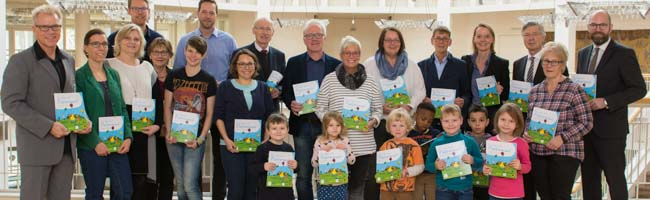 """Lesezeit mit dem """"Plappermaul"""" in Dortmund: Bürgermeisterin Birgit Jörder eröffnet eine Lesekampagne für Kinder"""