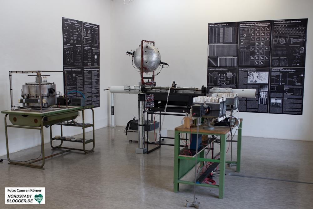 """Erich Füllgrabe, Installation """"Wissenschaftliches Kunstlabor"""""""
