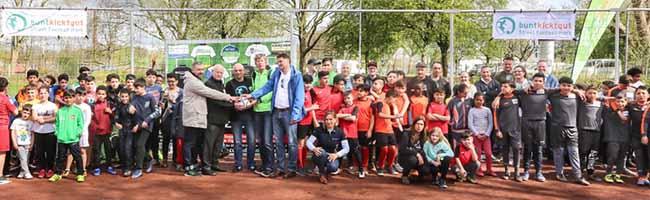 BuntKicktGut feiert doppelte Eröffnung in der Nordstadt: Den Start der 18. Spielzeit und für die neue Streetkickanlage