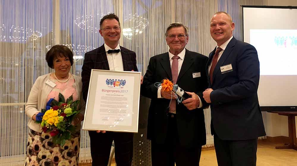 Ehrenamt ausgezeichnet: Christa Löhr, Dr. Thomas Reinbold (Bürgerliste), Horst-Dieter Löhr und Lars Rettstadt (FDP).