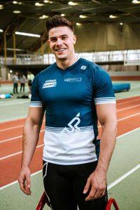 """Bob-Olympionike Christopher Weber wird den traditionellen """"First Pitch"""" schlagen. Foto: Alina Schessler"""