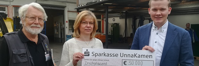 Tolle Überraschung für die Tafel Dortmund: Statt 10.000 gibt's 30.000 Euro vom Benefizabend in der Atlas-Schuhfabrik