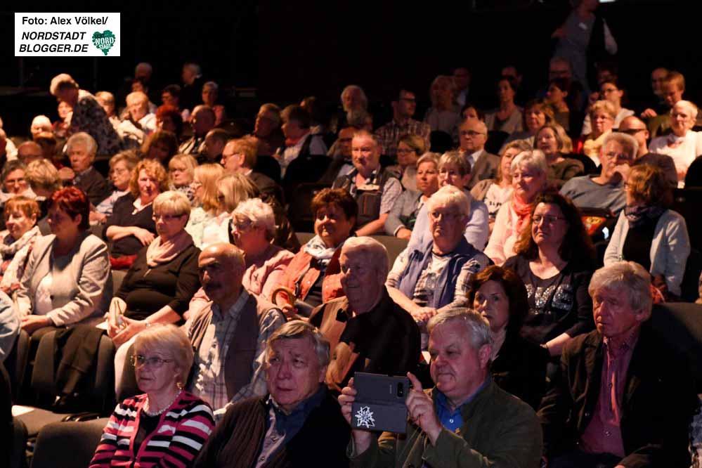 Die Theater-Veranstaltung mit Rahmenprogramm im Theater im Depot war gut besucht.