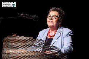 Die AWO-Vorsitzende Gerda Kieninger fordert das Einsetzen und Leben von gesellschaftlichen Werten.